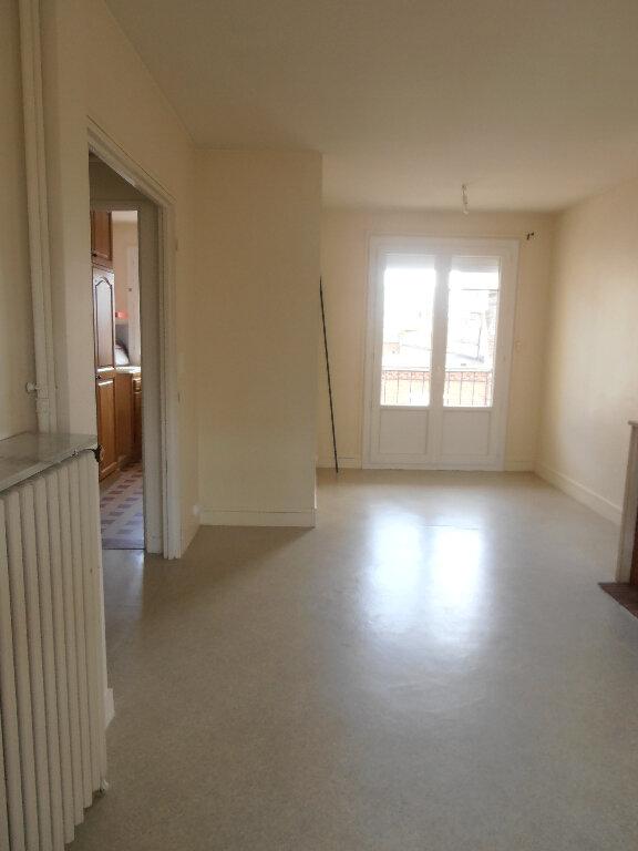 Appartement à louer 3 65.16m2 à Beauvais vignette-3