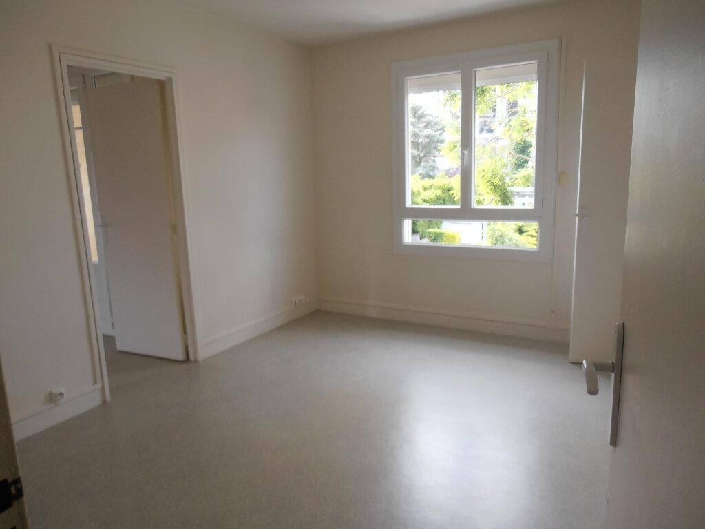 Appartement à louer 3 65.16m2 à Beauvais vignette-4