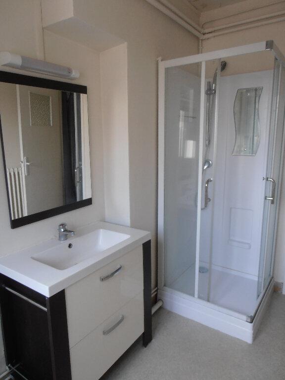 Appartement à louer 3 65.16m2 à Beauvais vignette-5
