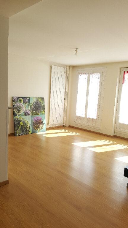 Appartement à louer 3 73m2 à Beauvais vignette-8