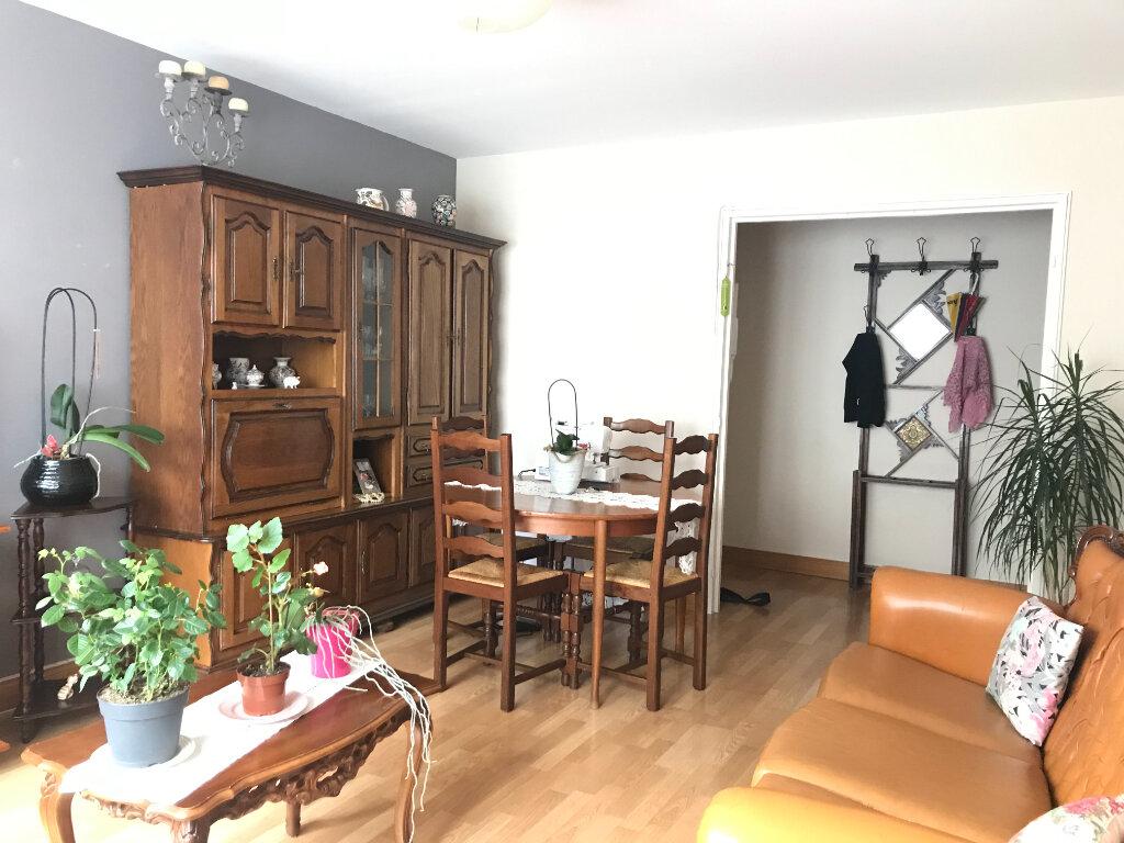 Appartement à vendre 2 50m2 à Beauvais vignette-2