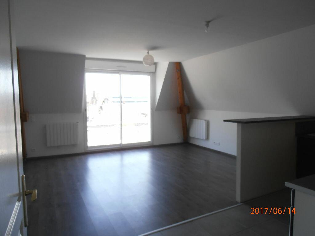 Appartement à louer 4 70.4m2 à Beauvais vignette-2