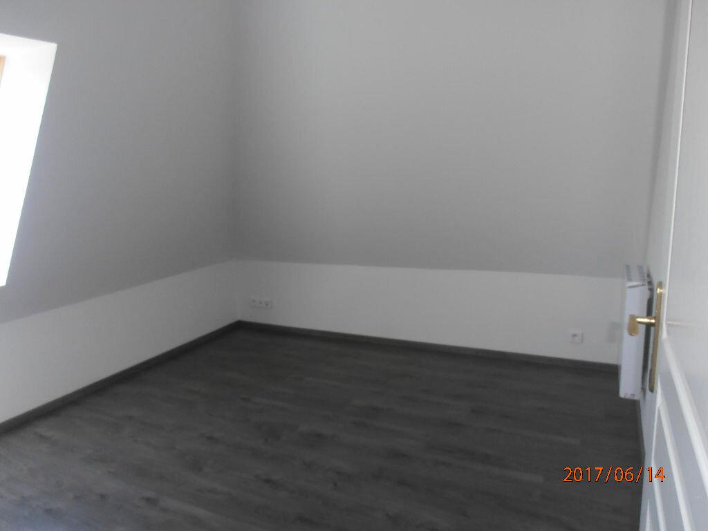 Appartement à louer 4 70.4m2 à Beauvais vignette-3