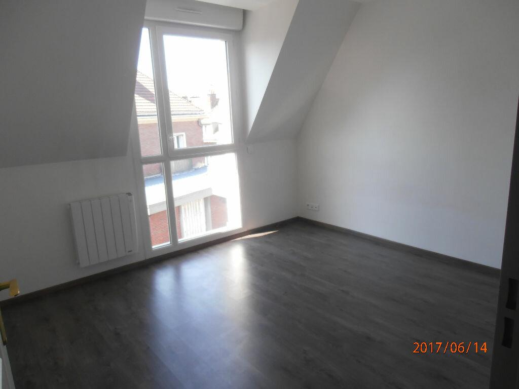 Appartement à louer 4 70.4m2 à Beauvais vignette-4