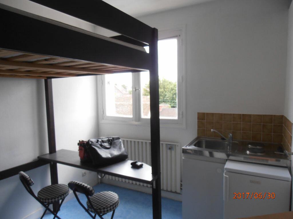 Appartement à louer 1 11m2 à Beauvais vignette-1