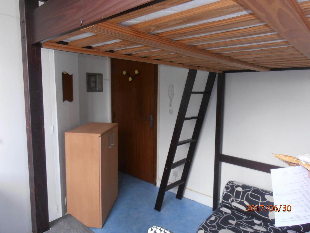 Appartement à louer 1 11m2 à Beauvais vignette-2