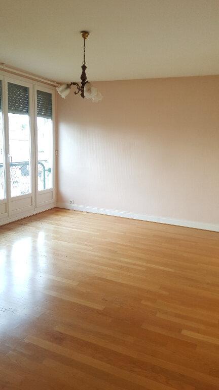Appartement à louer 3 60.33m2 à Beauvais vignette-4