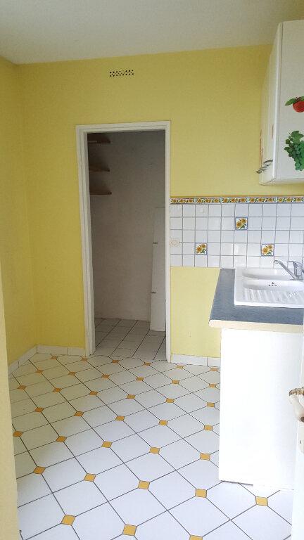Appartement à louer 3 60.33m2 à Beauvais vignette-6