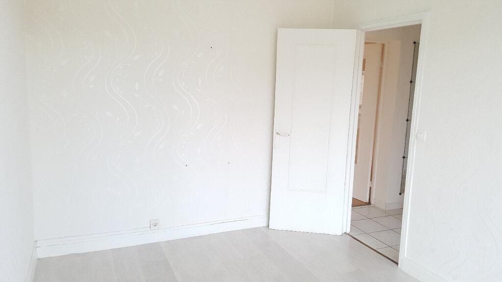 Appartement à louer 3 60.33m2 à Beauvais vignette-7