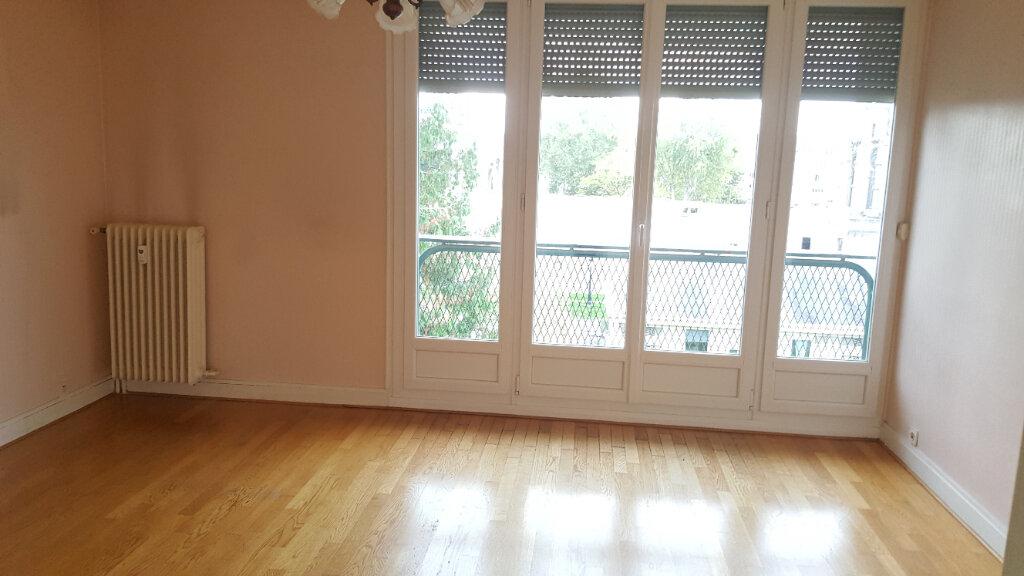 Appartement à louer 3 60.33m2 à Beauvais vignette-9