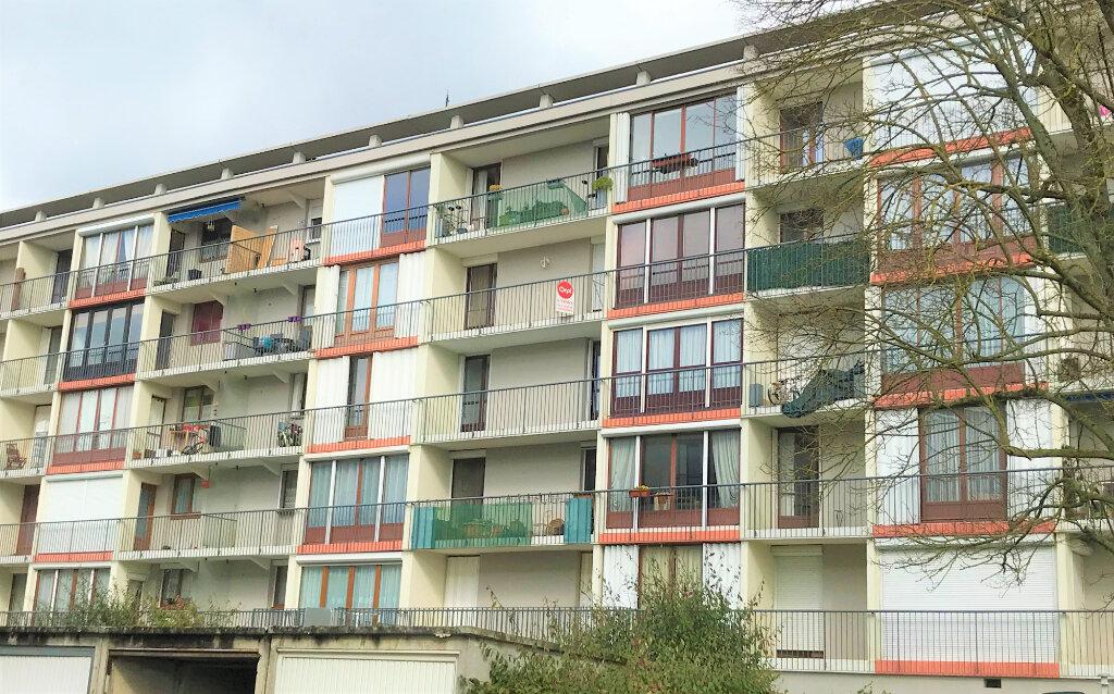 Appartement à vendre 5 101m2 à Beauvais vignette-1