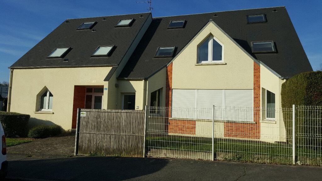 Appartement à louer 2 28m2 à Beauvais vignette-1