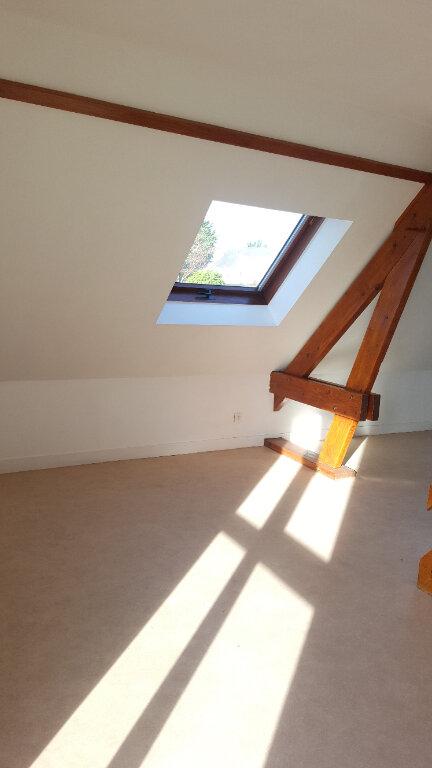 Appartement à louer 2 28m2 à Beauvais vignette-3