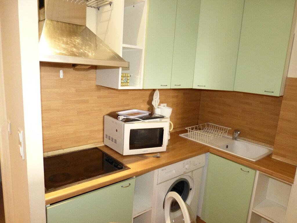 Appartement à louer 1 28.25m2 à Nice vignette-3