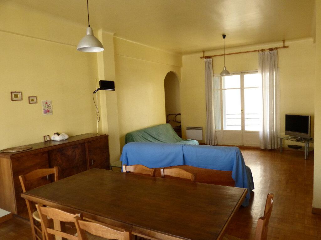 Appartement à louer 3 82.68m2 à Nice vignette-1