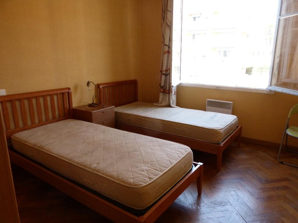 Appartement à louer 3 82.68m2 à Nice vignette-3