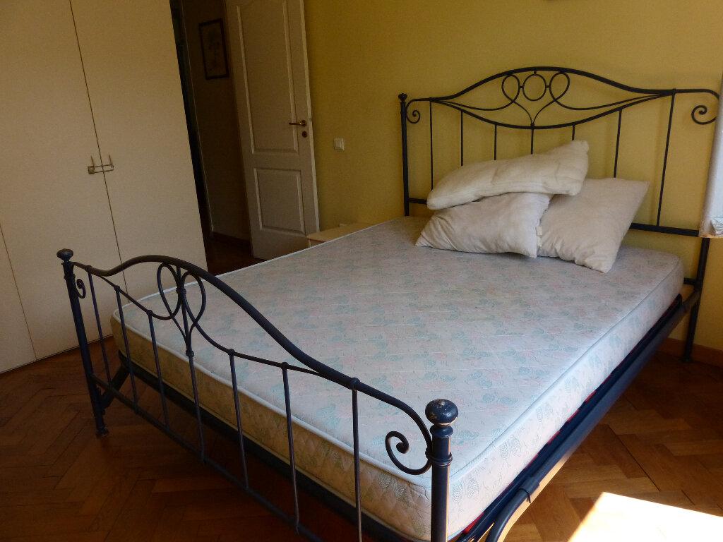 Appartement à louer 3 82.68m2 à Nice vignette-4