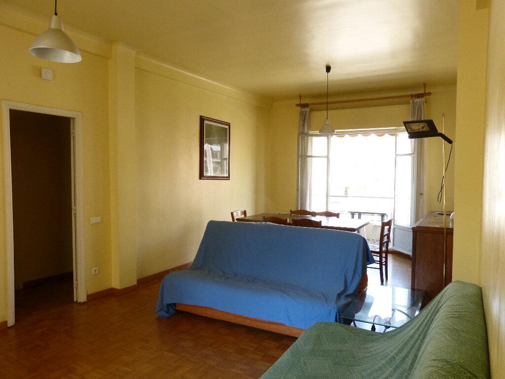 Appartement à louer 3 82.68m2 à Nice vignette-6