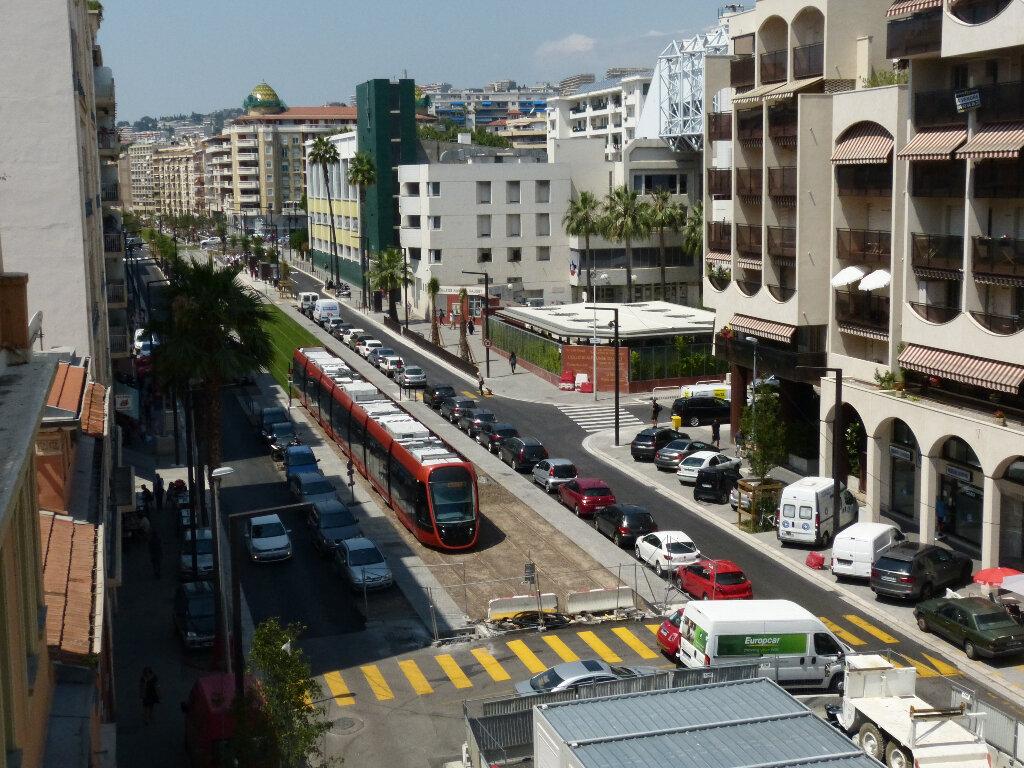 Appartement à louer 3 82.68m2 à Nice vignette-12