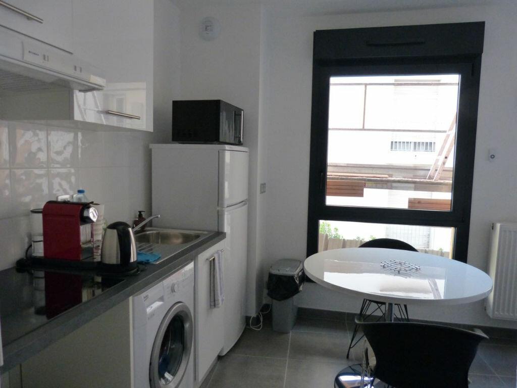 Appartement à louer 1 26.55m2 à Nice vignette-2