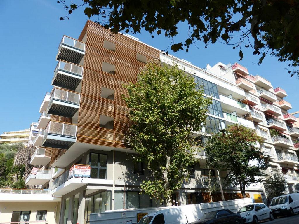 Appartement à louer 1 26.55m2 à Nice vignette-10
