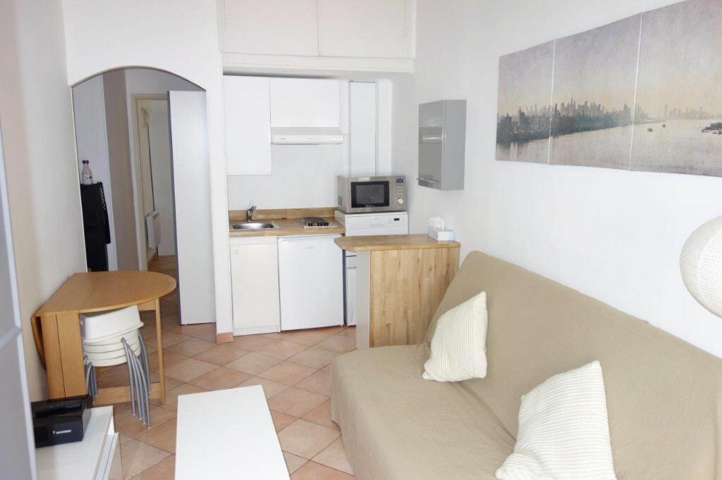 Appartement à louer 2 28.57m2 à Nice vignette-2