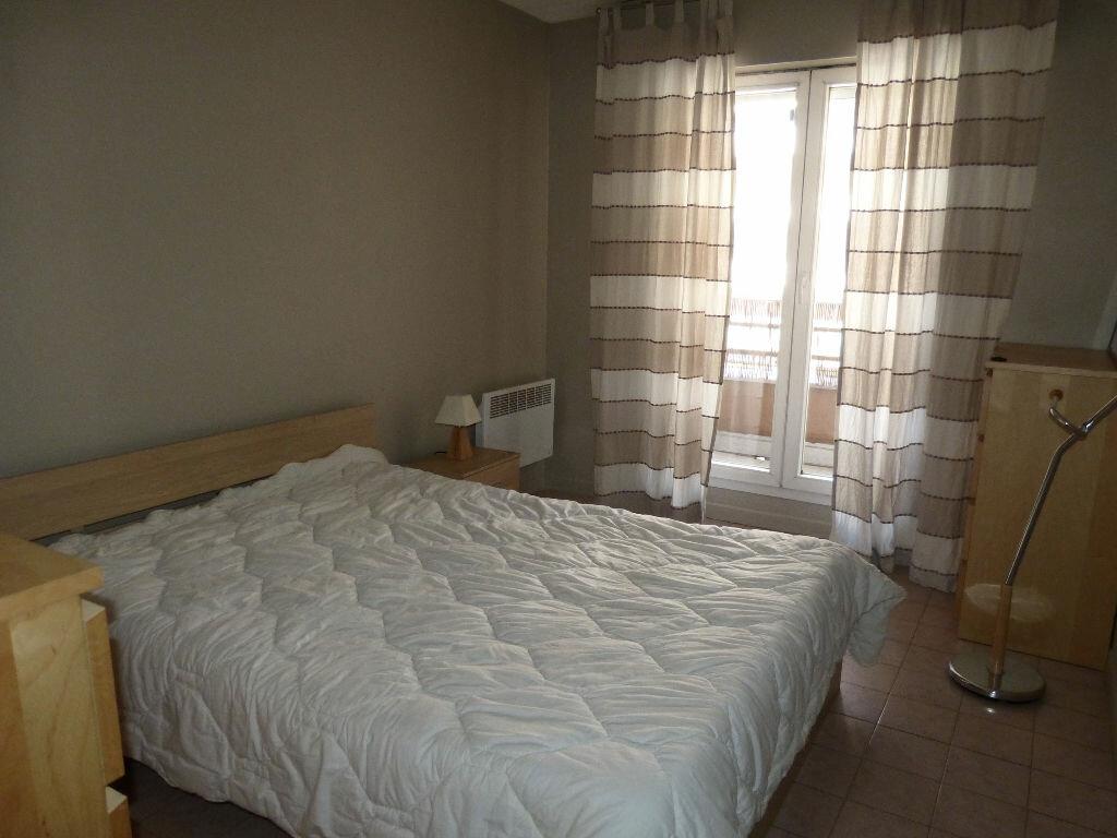 Appartement à louer 2 35.98m2 à Nice vignette-4