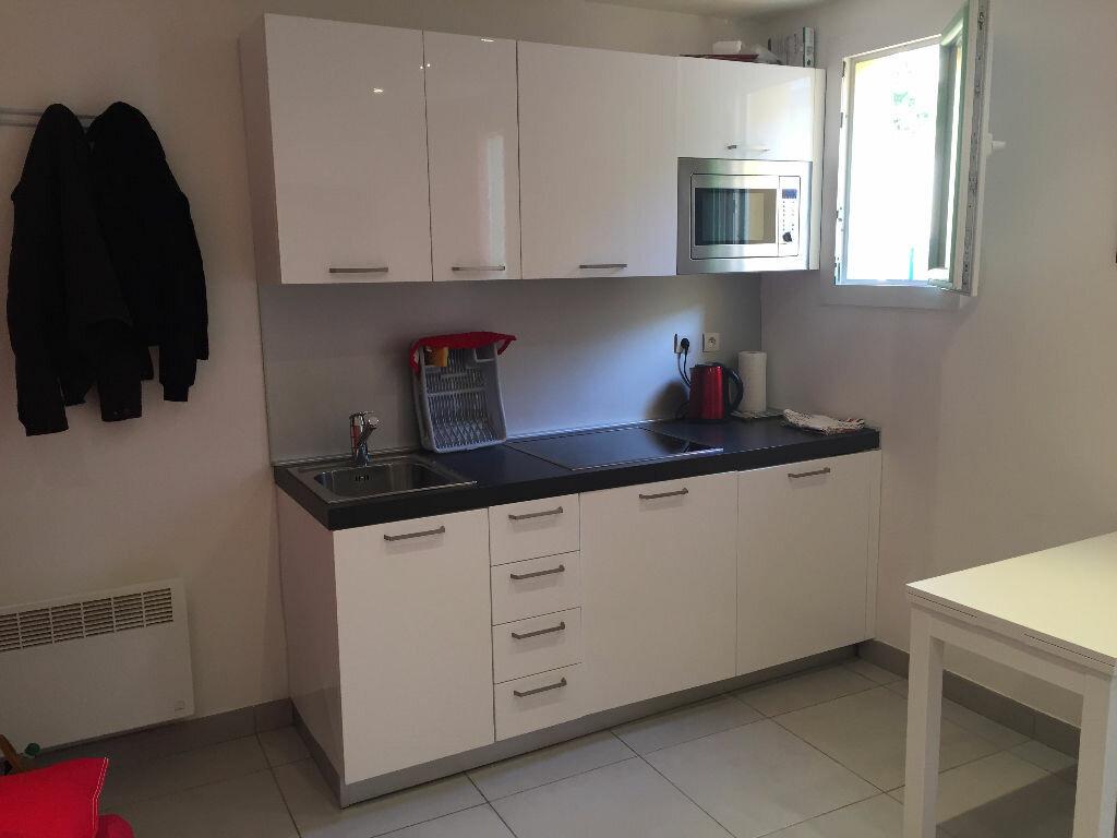 Appartement à louer 2 25.41m2 à Nice vignette-2