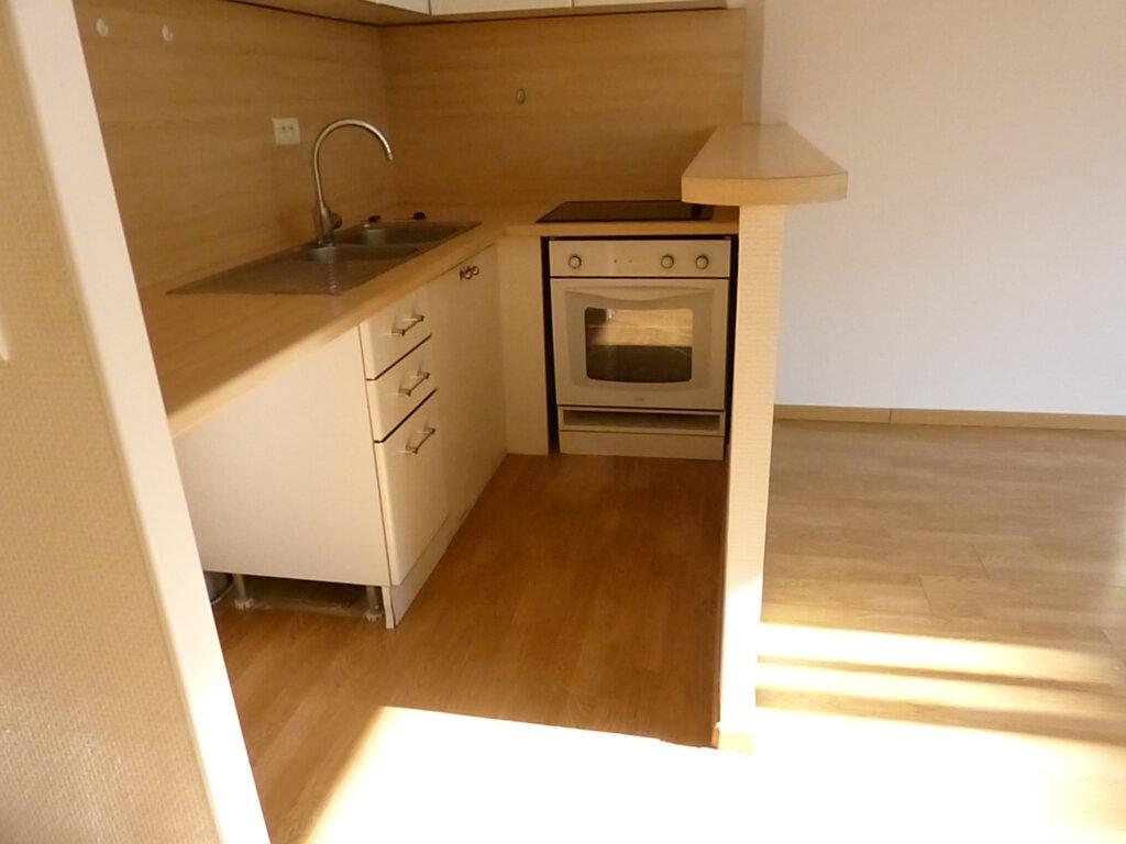 Appartement à louer 1 33.16m2 à Nice vignette-2