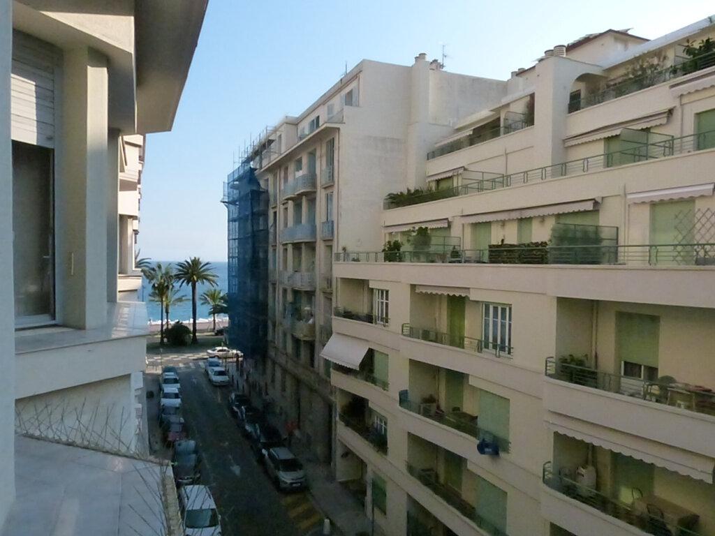Appartement à louer 1 33.16m2 à Nice vignette-3