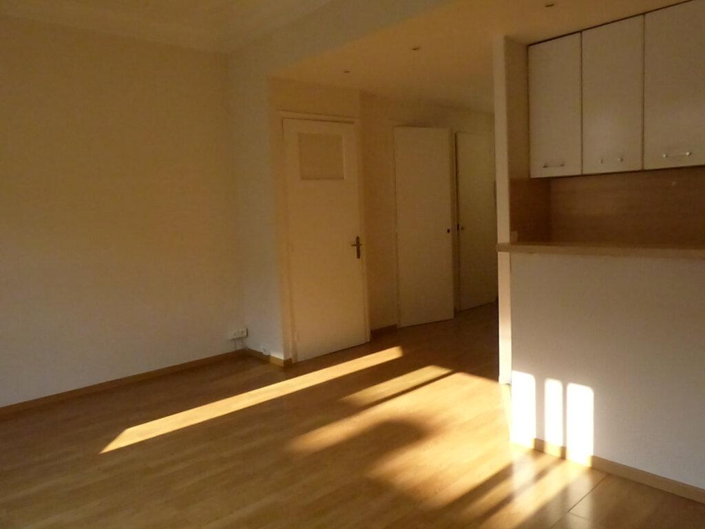 Appartement à louer 1 33.16m2 à Nice vignette-4