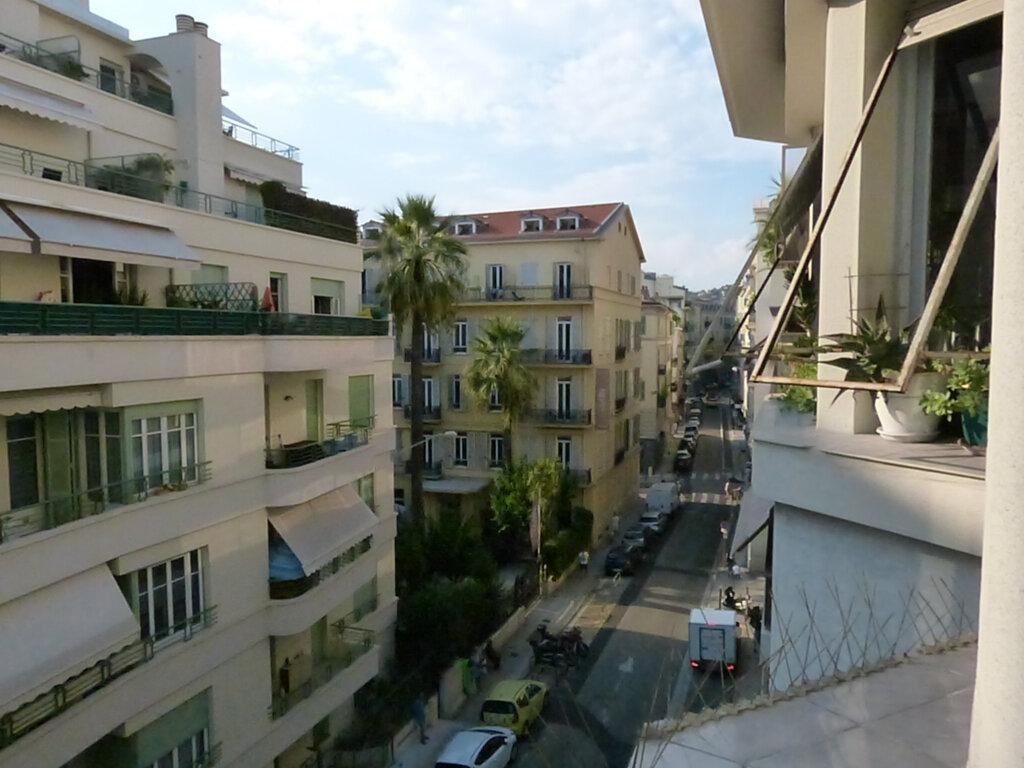 Appartement à louer 1 33.16m2 à Nice vignette-9