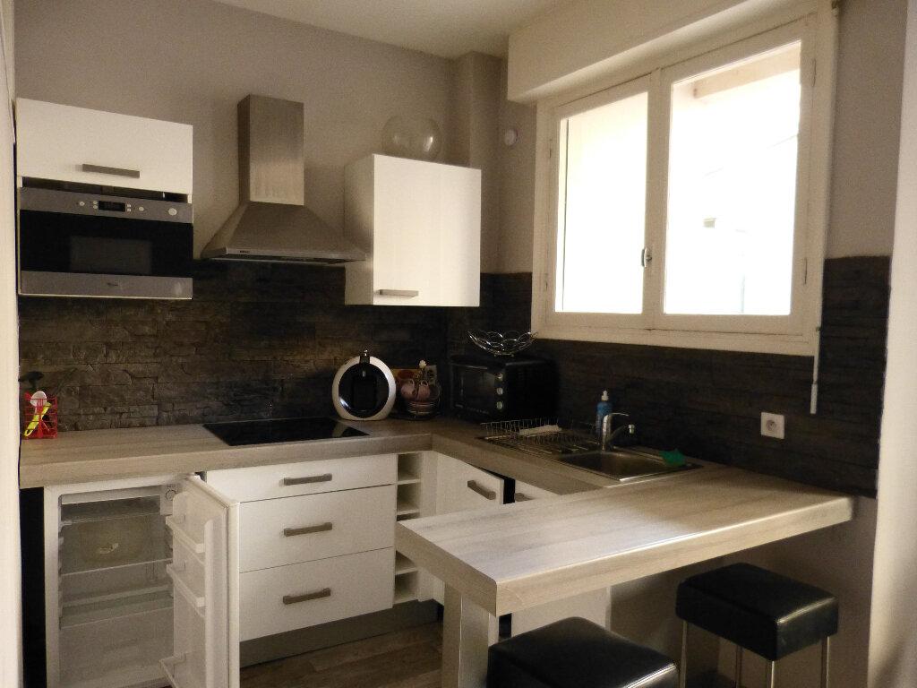 Appartement à louer 1 35.9m2 à Nice vignette-3