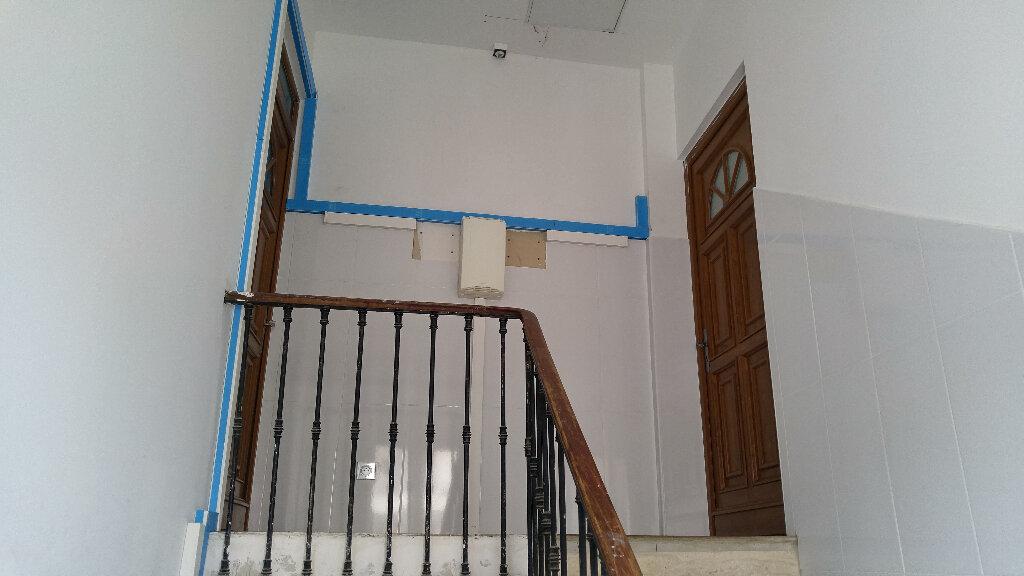 Appartement à louer 1 30.57m2 à Nice vignette-8