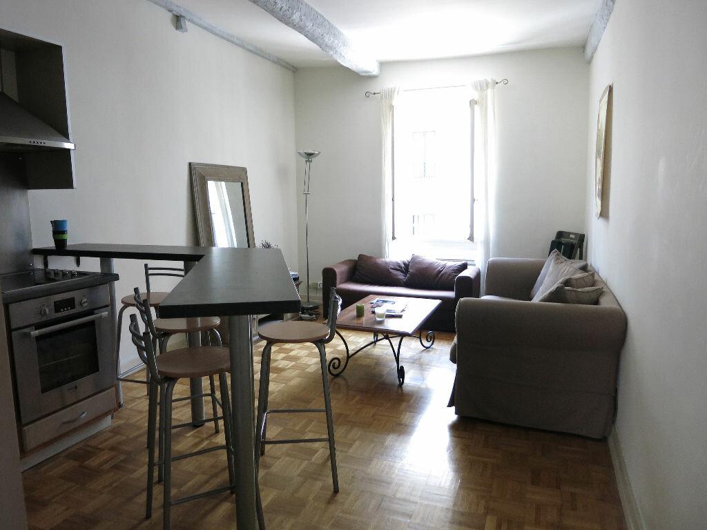 Appartement à louer 3 53.5m2 à Nice vignette-2