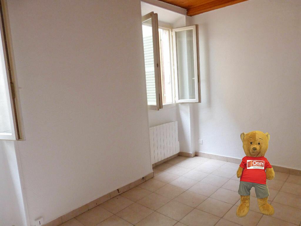 Appartement à louer 1 17m2 à Nice vignette-1