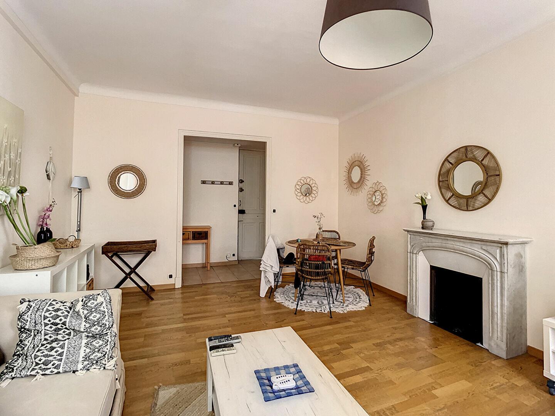 Appartement à louer 2 66.56m2 à Nice vignette-2