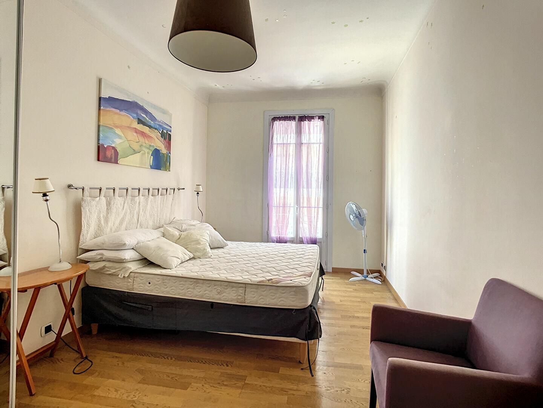 Appartement à louer 2 66.56m2 à Nice vignette-4