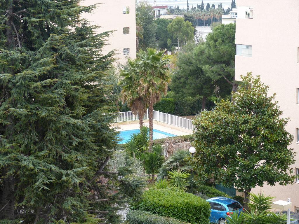 Appartement à louer 2 46.88m2 à Nice vignette-9
