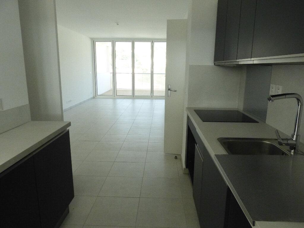 Appartement à louer 3 65.2m2 à Nice vignette-4
