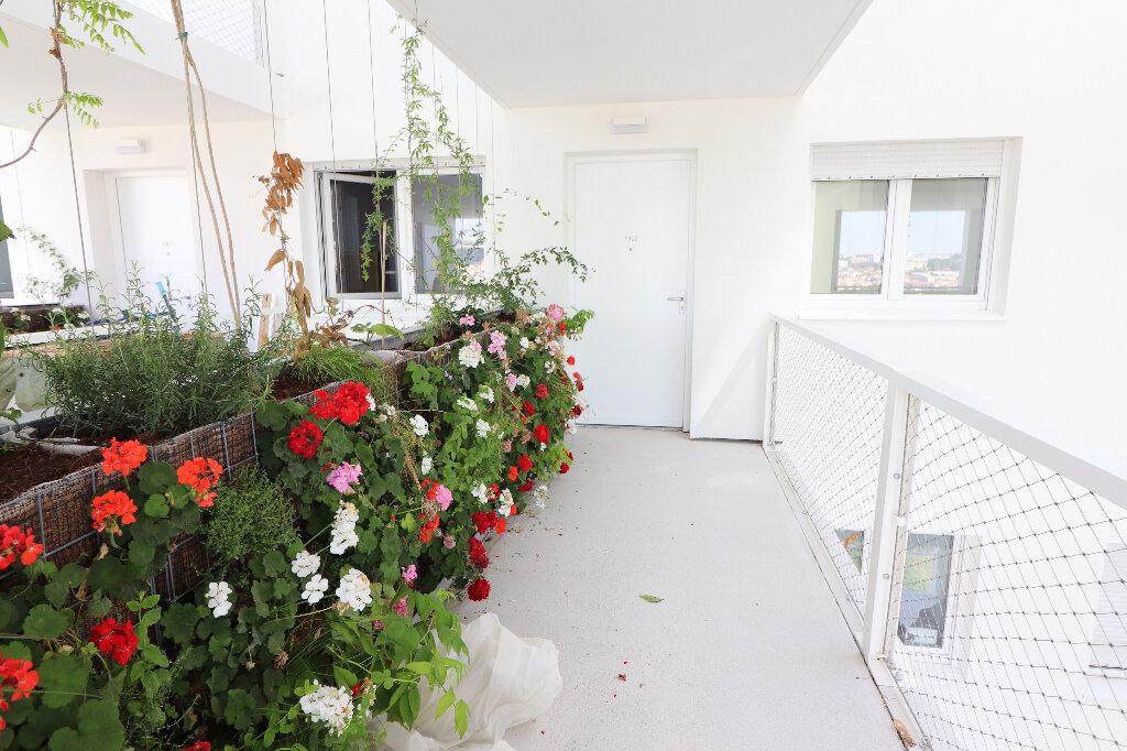 Appartement à louer 3 65.2m2 à Nice vignette-5