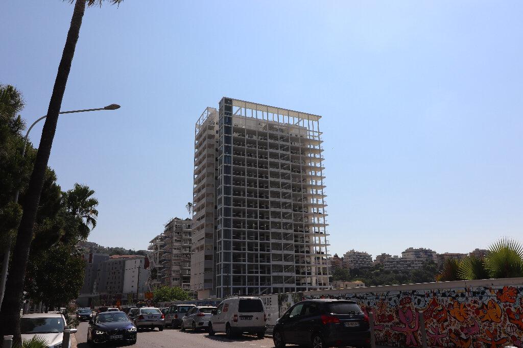 Appartement à louer 3 65.2m2 à Nice vignette-6