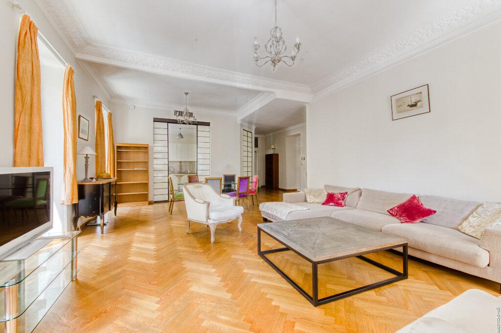 Appartement à louer 4 131.4m2 à Nice vignette-1