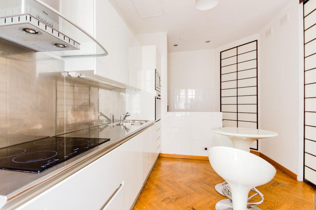 Appartement à louer 4 131.4m2 à Nice vignette-2