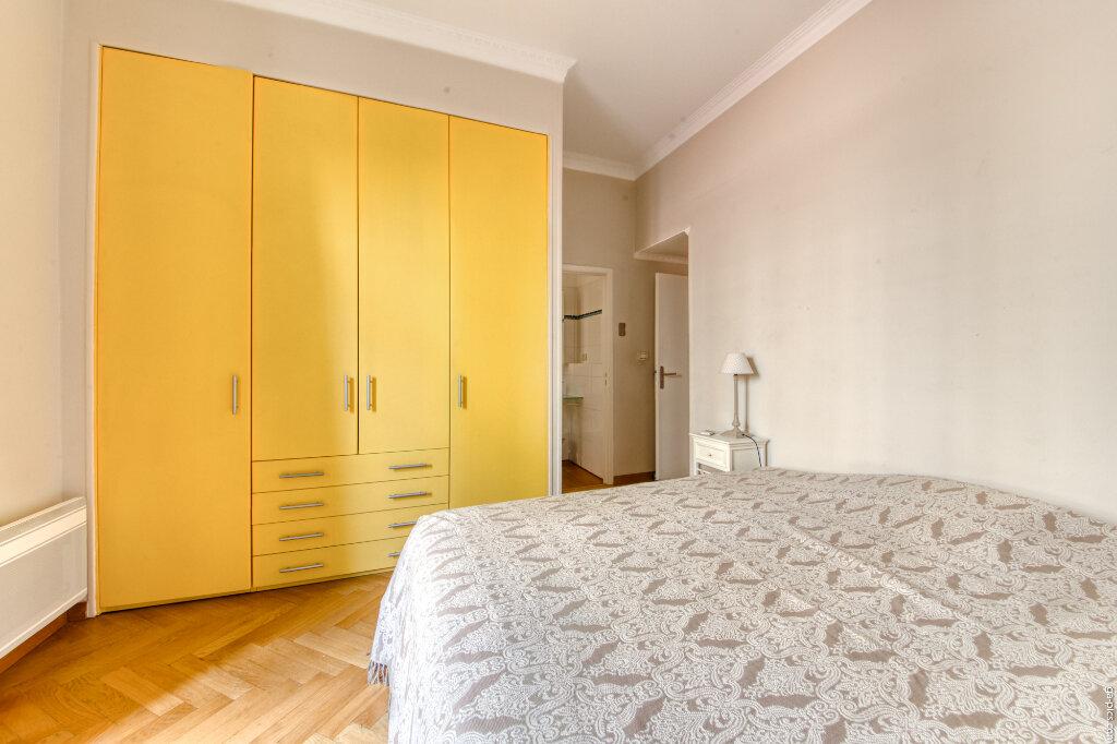 Appartement à louer 4 131.4m2 à Nice vignette-5