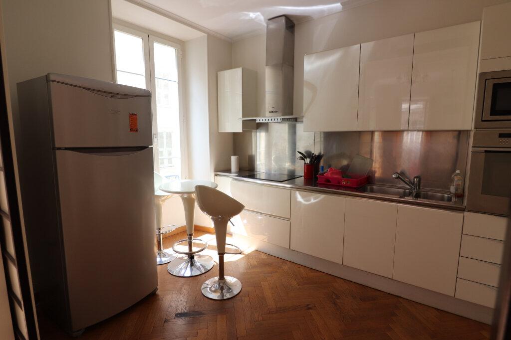 Appartement à louer 4 131.4m2 à Nice vignette-12