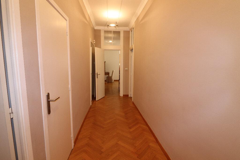 Appartement à louer 4 131.4m2 à Nice vignette-13