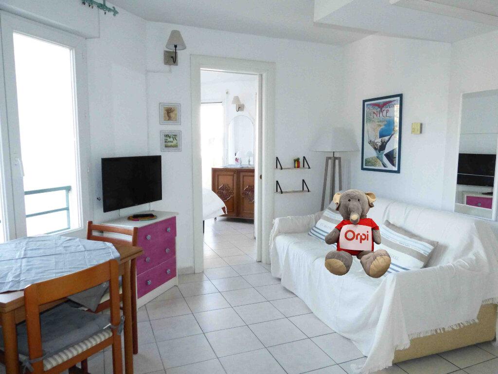Appartement à louer 2 26.41m2 à Nice vignette-1