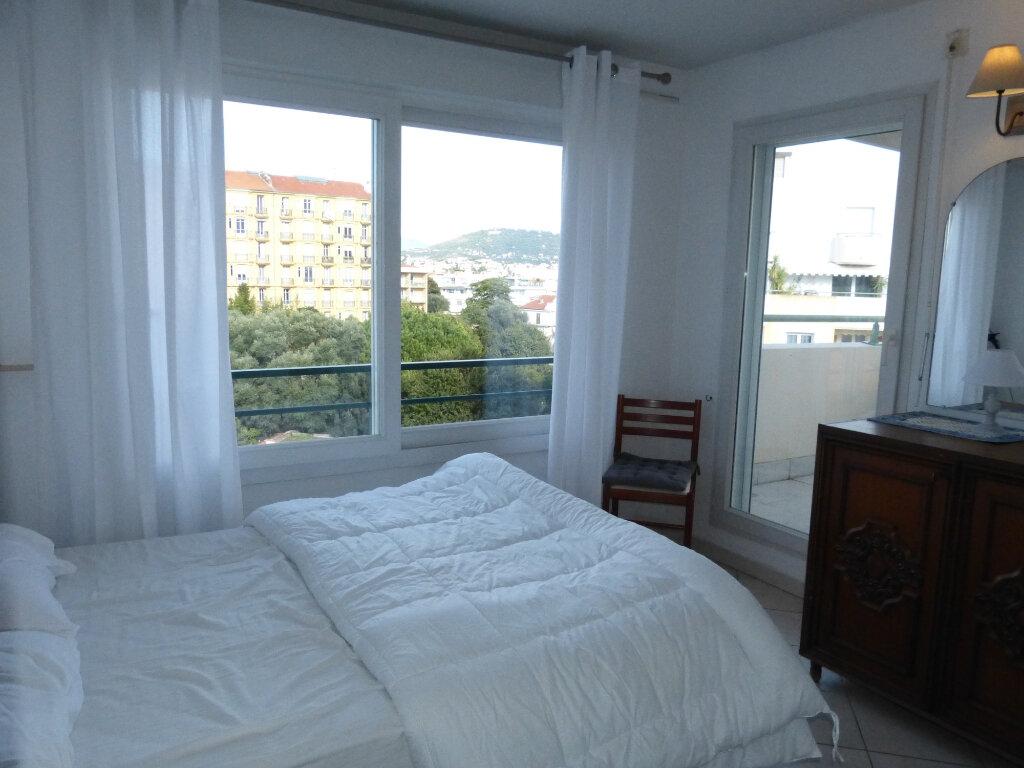 Appartement à louer 2 26.41m2 à Nice vignette-2
