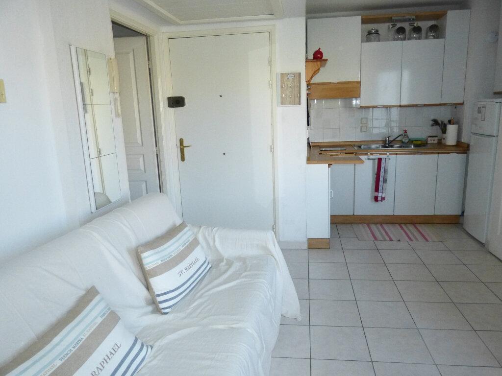 Appartement à louer 2 26.41m2 à Nice vignette-4